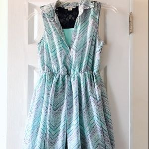 i am selling a beautiful short blue dress